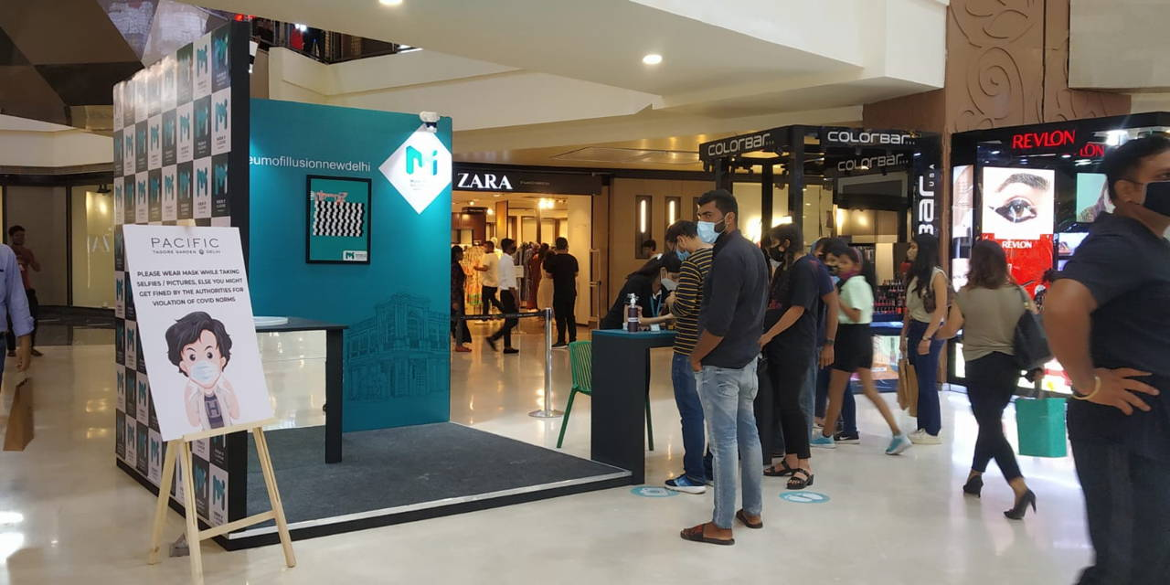 Pacific Mall delights shoppers with 'Museum of Illusions'