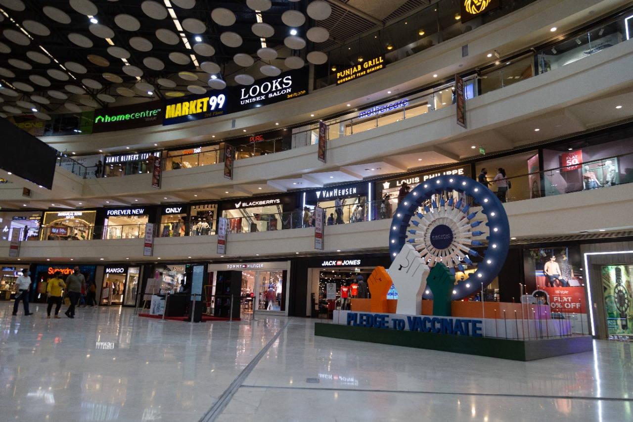 Pacific Mall's 'Pledge to Vaccinate' I-Day Decor motivates citizens to take the jab